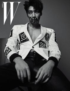 Korean actor Kim Young Kwang is the latest star to be featured in the upcoming issue of the fashion magazine W Korea. In the photos, Kim Young Kwang showed professionalism as a model as he perfected every cut. Asian Actors, Korean Actors, Sweet Stranger And Me, Hong Jong Hyun, Lee Hyuk, W Korea, Young Blood, Le Male, Kim Woo Bin