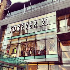 @seeglasgows photo: So who visited @glasgowshoppings new Buchanan Quarter this weekend? Forever 21s Scottish flagship store was one of the highlights of the grand opening! #inglasgow #glasgow #shopping #fashion #forever21 #buchananst #buchananquarter