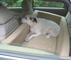 Car Dog Bed - If you were a dog, wouldn't you want this bed for all those long road trips? Heck, I'd sleep there with my dogs! Car Dog Bed, Dog Beds, Dog Car Seats, I Love Dogs, Cute Dogs, Animals And Pets, Cute Animals, Dog Houses, Dog Life