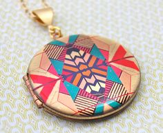 The Kaleidoscope Locket  Vintage by verabel on Etsy, $65.00
