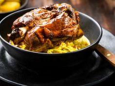 Pernil suíno à La Vania Carne, Pork, Meat, Chicken, Candied Fruit, Onions, Salads, Dry Red Wine, Recipes
