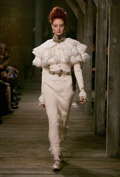 Chanel Pre - Autunno Inverno 2013 2014 - 2° parte  http://coolechicstylefashion.blogspot.it/2012/12/chanel-pre-autunno-inverno-2013-2014-2.html