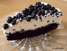 ciasto czekoladowe z mascarpone z jagodami Wine Recipes, Baking Recipes, Dessert Recipes, Delicious Desserts, Yummy Food, Polish Recipes, Sweet Cakes, Snacks, My Favorite Food