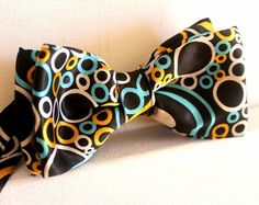 Sieh dir dieses Produkt an in meinem Etsy-Shop https://www.etsy.com/de/listing/251437512/bow-ties-in-black-with-bubbles