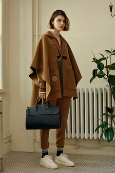 Bally Spring 2018 Ready-to-Wear Fashion Show Collection