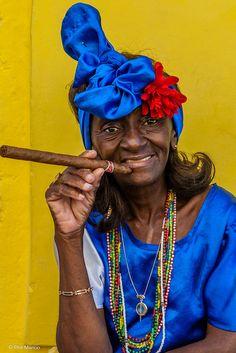 Do you have a light? - Havana, Cuba | por Phil Marion