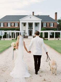 Elegant Charleston wedding at the Boone Hall Plantation: Photography: Simply Sarah Photography - simplysarah.me Read More on SMP: http://www.stylemepretty.com/2016/10/05//