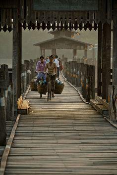 Pont U Bein a Mandalay le plus gd pont du monde entierement en teck