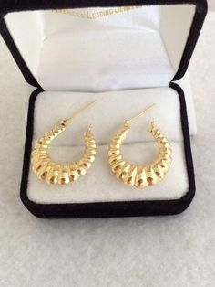 Lovely 14K Fine Gold 585 Yellow Scalloped Ribbed by TrendsCouture