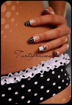 B & W dots nail art design Nail-art Glam Nails, Nail Manicure, Beauty Nails, Nail Polish Style, Nail Polish Art, Nail Art Inspiration, Galeries D'art D'ongles, Nail Art Designs, Perfect 10 Nails