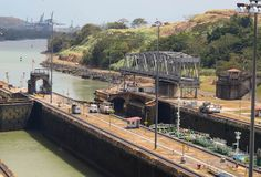 They're now opening the lock! #PanamaCanal, Panama City