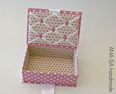 """Uma Princesa tem que ter uma caixinha à altura! :-) Esta pequena """"Lady Box"""" é a caixinha de segredos de uma menina tão decidid..."""