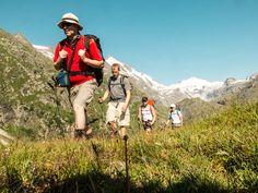 Bergwandern von Huette zu Huette unter dem Großglockner