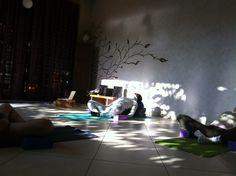 VINYASA FLOW YOGA Yoganidra com Props Prática da Manhã :: Segundas, Quartas e Sextas, das 7:30 às 8:45 Yoga, 30, Concert, Recital, Yoga Tips, Concerts