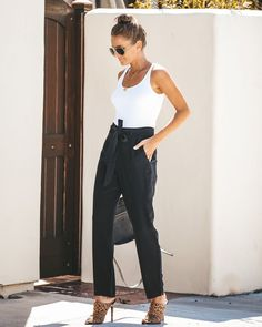 Swans Style is the top online fashion store for women. Shop sexy club dresses, jeans, shoes, bodysuits, skirts and more. Jogger Pants Outfit, Hoodie Outfit, Spring Outfits, Work Outfits, Summer Workout Outfits, Casual Office Attire, Business Outfits Women, Look Fashion, Work Wear