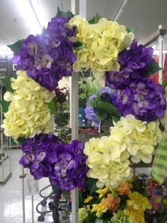 Hydrangea bicolor wreath