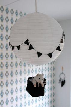 lastenhuone,kattolamppu,lastenhuoneen valaisin,valaisin,musta-valkoinen
