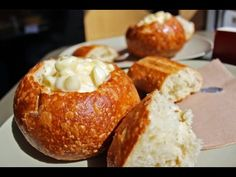 Mac and Cheese Bread Bowl Mac And Cheese Bread Bowl Recipe, Pasta Bread Bowl, Homemade Bread Bowls, Easy Mac And Cheese, Making Mac And Cheese, Mac Cheese Recipes, Easy Pasta Recipes, Bread Recipes, Macaroni And Cheese