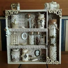Discover recipes, home ideas, style inspiration and other ideas to try. Shadow Box Memory, Diy Shadow Box, Altered Boxes, Altered Art, Molduras Vintage, Wall Boxes, Vintage Crafts, Box Frames, Decorating Blogs