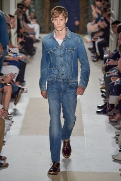 Valentino Men's Spring 2017 Denim Button Up, Button Up Shirts, Double Denim Looks, Fashion News, Fashion Show, Valentino Men, Levi Strauss, Menswear, Spring