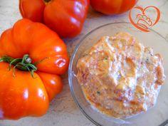 Sugo ricotta e pomodoro http://www.cuocaperpassione.it/ricetta/eb391f4c-9f72-6375-b10c-ff0000780917/Sugo_ricotta_e_pomodoro