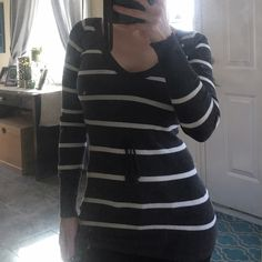 Striped sweater Lightly used Sweaters V-Necks
