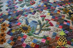 Join Me at The Quilting BeeSunflower Gatherings - Primitive Gatherings SBOW PopsPaducah 2014 Longarm Quilting, Machine Quilting, Wool Quilts, Primitive Gatherings, Wool Applique, Vintage Quilts, Square Quilt, Applique Designs, Craft Items