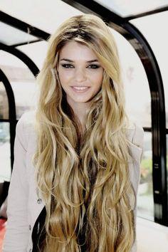 luisa hartema Lange Haare Blondieren