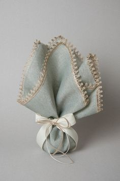 Wedding Favors, Wedding Gifts, Wedding Invitations, Bussines Ideas, Lavender Sachets, Gift Packaging, Maid Of Honor, Communion, Christening