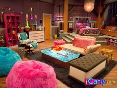 10 Tips para decorar la habitación de una chica inspirados en iCarly   http://casamairim.blogspot.mx/2013/09/10-tips-inspirados-en-icarly-para-decorar-la-habitacion-de-una-joven-adolescente.html