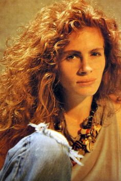 I always wanted big Julia Roberts hair like this.