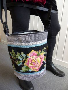 Redo Clothes, Swedish Embroidery, Tapestry Bag, Textiles, Handmade Purses, Every Girl, Mobiles, Bag Making, Needlepoint