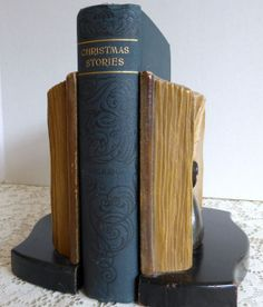 Classic Christmas Stories by Charles Dickens: A Christmas Carol, The Cricket on The Hearth and The Chimes