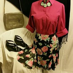 2/$15  Chaps Chiffon Floral Skirt It is a looser fitting 6P with a waist of 31 inches. Chaps Skirts