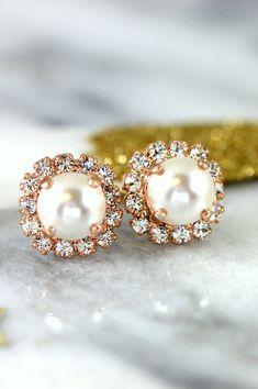 Pearl Earrings,Bridesmaids Pearl Earrings,Swarovski Bridal Earrings,White Pearl Earrings,Pearl Stud Earrings,Rose Gold Pearl Stud Earrings