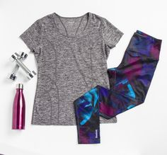 Get your workout on with the perfect outfit! The bold colored leggings add the perfect touch!