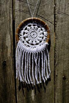DIY dream catcher necklace by MintyBird
