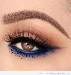 Maquillaje ojos marrones sombra azul