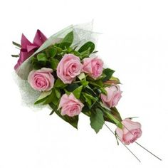 One of the #handbouquets PilipinasGift.com is Phact, which is an elegantly arranged half dozen of #pinkroses.