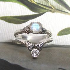 Woodland wedding and engagement rings inspired by fairy tales by Kryzia Kreations. See the new collection here! Nontraditional Engagement Rings, Engagement Ring Images, Gemstone Engagement Rings, Designer Engagement Rings, Unique Diamond Rings, Unique Rings, Non Traditional Wedding Ring, Woodland Wedding, Fairy Tales
