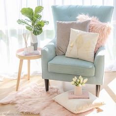 8 Awesome Useful Tips: Shabby Chic Baby Shower Theme shabby chic bedding for gir. Shabby Chic Baby, Shabby Chic Tapete, Shabby Chic Colors, Shabby Chic Pillows, Shabby Chic Curtains, Shabby Chic Living Room, Shabby Chic Interiors, Chic Bedding, Shabby Chic Bedrooms