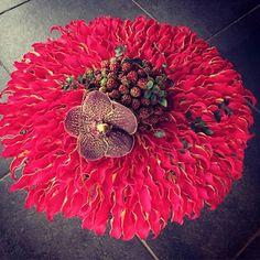 Loving this design by Floral Fundamentals Ambassador Floraria Iris Nicu Bocancea - stunning use of Gloriosa and Vanda