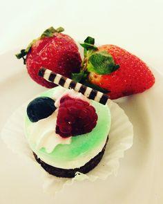#miniweddingcake