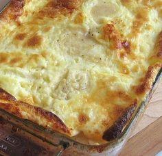 soufle tiriwn me giaourti Greek Recipes, Desert Recipes, Real Food Recipes, Cake Recipes, Cooking Recipes, Yummy Food, Tasty, Cyprus Food, Greek Cooking