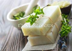 Naturalne mydła ręcznie robione z ziołami. Spa — Obraz stockowy #10679221