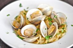 Comforting Dinner: Linguine and Clams In Garlic White Wine Sauce - Foodista.com