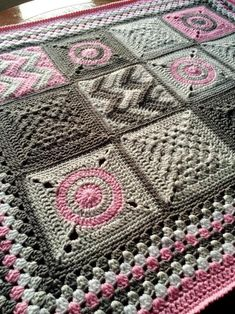 (4) Name: 'Crocheting : Modern Patchwork Blanket