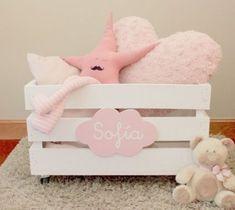 New basket decoration hamper 56 ideas Baby Hamper, Baby Baskets, Baby Decor, Nursery Decor, Baby Shower Gifts, Baby Gifts, Shower Bebe, Baby Box, Diy Presents