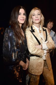 Sandra Bullock and Cate Blanchett: The Ocean's 8 co-stars looked like total badass babes at a 2018 CinemaCon event in Las Vegas' The Colosseum at Caesars Palace on April Ocean's 8 Cast, Sandro, Oceans 8, Divas, Middle Aged Women, Film Serie, Sandra Bullock, Red Carpet Fashion, Woman Crush
