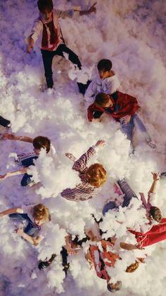 Oh my seventeen Wallpaper. Jeonghan, Woozi, Going Seventeen, Seventeen Wonwoo, Seventeen Debut, Carat Seventeen, Photo Zen, K Pop, Vernon Chwe